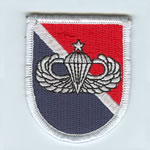 11th SF Group Beret Flash with Senior Airborne Wings - Item Number: P-10100