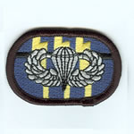 12th SF Group Oval with Basic Airborne Wings - Item Number: P-09800